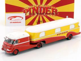 Ford F798 con carovana Pinder circo giallo / rosso / bianco 1:43 Direkt Collections