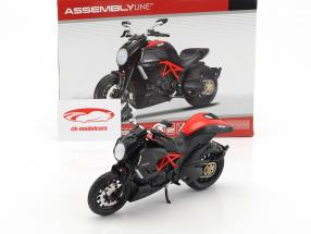 Ducati Diavel Carbon kit anno 2011 nero 1:12 Maisto