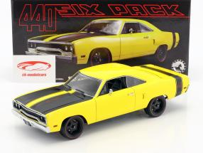 Plymouth Road Runner Street Fighter année de construction 1970 jaune / noir 1:18 GMP