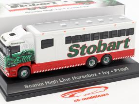 Scania High Line Horsebox Ivy F1499 Stobart red / white / green 1:76 Atlas