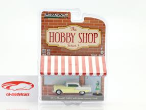 Chevrolet Bel Air year 1955 yellow / white with figure 1:64 Greenlight