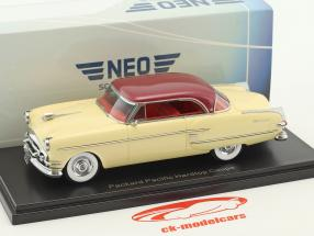 Packard Pacific Hardtop coupe year 1954 beige / dark red metallic 1:43 Neo