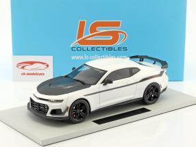 Chevrolet Camaro ZL1 1LE Hennessey Exorcist année de construction 2017 blanc 1:18 LS Collectibles