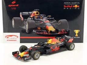 Daniel Ricciardo Red Bull Racing RB14 #3 vincitore porcellana GP formula 1 2018 1:18 Spark