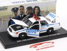 Ford Crown Victoria police Interceptor NYPD 2001 TV-Serie Blue Bloods white / blue 1:43 Greenlight