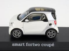 Smart fortwo Coupe (C453) silver / white 1:43 Norev