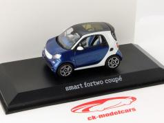 Smart fortwo Coupe (C453) white / blue 1:43 Norev