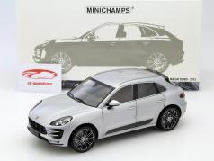 Porsche Macan год 2013 серебряный 1:18 Minichamps
