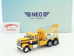 Diamond Rea Tow Truck yellow / black 1:43 Neo