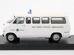 Dodge Sportsman San Diego Police Ambulance white 1:43 Neo