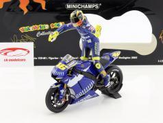 Valentino Rossi Yamaha YZR-M1 #46 champion du monde MotoGP Donington 2005 avec figure 1:12 Minichamps