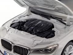 BMW 750 Li (G12) Bouwjaar 2015 mineraal wit 1:18 iScale