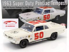 Pontiac Tempest #50 winner 250 Daytona Challenge Cup 1963 Paul Goldsmith With signature 1:18 GMP