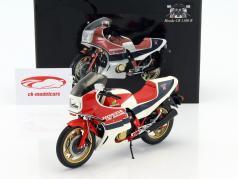 Honda CB 1100 R (RC II) year 1982 white / blue / red 1:12 Minichamps