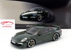 Porsche 911 (991) Carrera Club Coupe Year 2014 dark green 1:18 GT-SPIRIT
