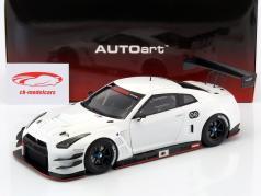 Nissan GT-R Nismo GT3 year 2015 white 1:18 AUTOart