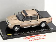 Chevrolet S-10 DeLuxe 2.5 Pick-up Baujahr 2009 gold metallic 1:43 Altaya