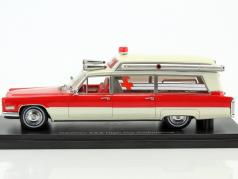 Cadillac S&S High Top Ambulance year 1966 red / white 1:43 Neo