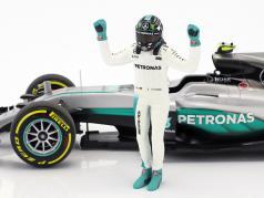 Nico Rosberg Mercedes F1 W07 Hybrid #6 Weltmeister Formel 1 2016 mit Fahrerfigur 1:18 Minichamps