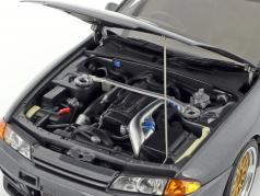 Nissan Skyline GT-R (R32) Wangan Midnight Reina grigio metallico 1:18 AUTOart