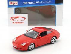 Porsche 911 (996) Carrera anno 1997 rosso 1:24 Maisto
