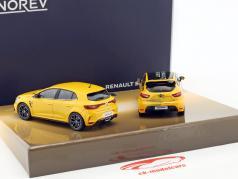 2-Car Set Renault Clio R.S.16 ano de construção 2016 & Renault Megane R.S. ano de construção 2017 amarelo 1:43 Norev
