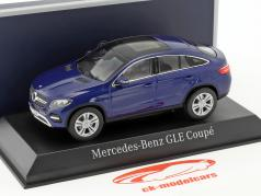 Mercedes-Benz GLE Coupe ano de construção 2015 azul metálico 1:43 Norev