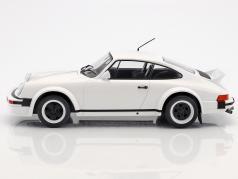 Porsche 911 Race Version Baujahr 1982 weiß 1:18 Ixo