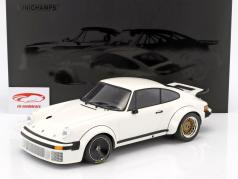 Porsche 935 year 1976 white 1:12 Minichamps