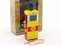 Wayne 505 Shell Oil gas pump 1951 yellow / red / green 1:18 Greenlight