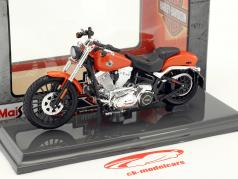 Harley-Davidson Breakout année de construction 2016 orange 1:18 Maisto
