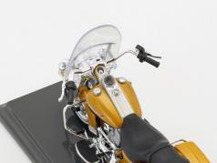 Harley-Davidson FLHR Road King Baujahr 1999 gold metallic 1:18 Maisto