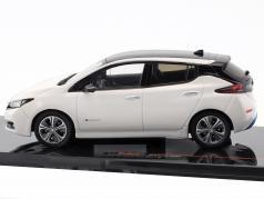 Nissan Leaf year 2018 white 1:43 Ixo
