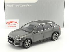 Audi Q8 anno di costruzione 2018 samurai grigio 1:18 Norev