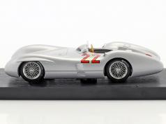 Hans Herrmann Mercedes W196C #22 français GP formule 1 1954 1:43 Brumm