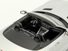 Mercedes-Benz AMG GT C Roadster anno di costruzione 2017 argento 1:18 Norev