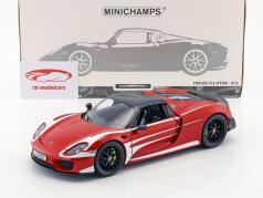 Porsche 918 Spyder Weissach Package année de construction 2015 rouge avec blanc rayures 1:18 Minichamps