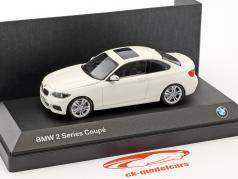 BMW 2 Series Coupe (F22) blanc 1:43 Minichamps