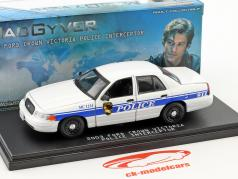 Ford Crown Victoria Police Interceptor année de construction 2003 Série TV MacGyver (depuis 2016) 1:43 Greenlight