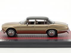 Daimler Double Six Vanden Plas S1 Baujahr 1973 sand metallic 1:43 Matrix
