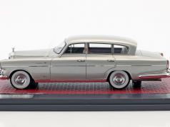 Rolls Royce Silver Wraith LWB Special Saloon Vignale year 1954 silver metallic 1:43 Matrix