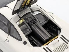 McLaren F1 Road Car year 1993/94 white 1:18 Minichamps