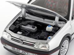 Volkswagen VW Golf III GTI année de construction 1996 20 ans GTI argent métallique 1:18 Norev