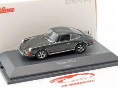 Porsche 911 S Steve McQueen MovieCar Movie Le Mans (1971) gray 1:43 Schuco