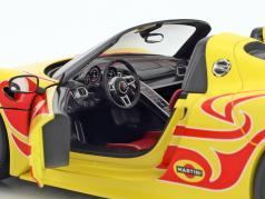 Porsche 918 Spyder Weissach Package year 2015 yellow with red stripes 1:18 Minichamps