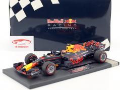 Max Verstappen Red Bull RB13 #33 Winner Malaysian GP Formel 1 2017 1:18 Minichamps