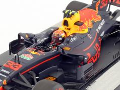 Max Verstappen Red Bull RB13 #33 gagnant Malaisie GP formule 1 2017 1:18 Minichamps