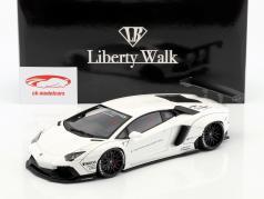Lamborghini Aventador Liberty Walk LB-Works year 2015 white 1:18 AUTOart