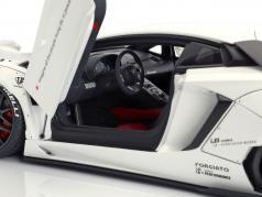 Lamborghini Aventador Liberty Walk LB-Works anno di costruzione 2015 bianco 1:18 AUTOart