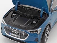 Audi e-tron antigua bleu 1:18 Norev